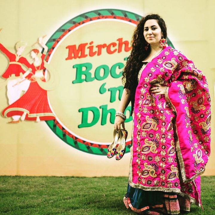 Aavjo !  Maliye Sanjhe At Aman Akaash Party Plot #mirchirockndhol2016  Ane Haan get your passes for all 9 nights from Book My Show