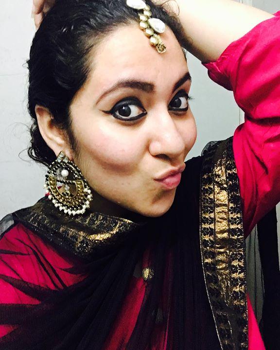 Garam Masaledaar Khaati Meethi Vaangi !  All set #mirchirockndhol2016