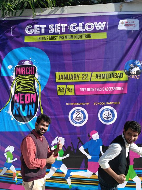 Our Mirchi Boys In Neon Swag this morning at Udgam School !  Get your gang registered for This Extravagance, Neon Experience on Book My Show !