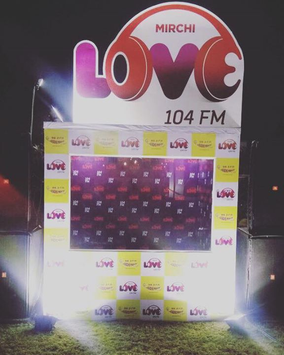 Do Click a Lovey-Dovey selfie with your Special One at Mirchi Love Zone - Ahmedabad Food Fest  #lastdaytoday at GMDC