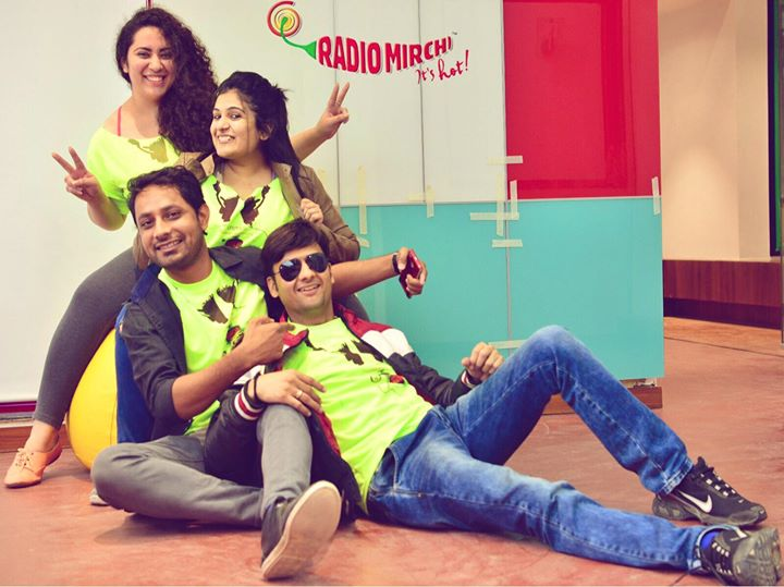 Agents of Happiness are all set to paint Amdavad Neon once again !  Join the Mirchi Gang - Mirchi Neon Run Season 2 - Get yourself registered on Book My Show !