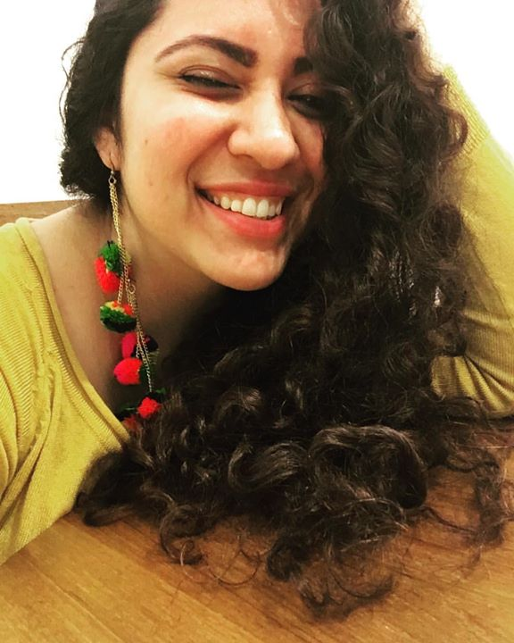 Coz they say Happy Girls are the prettiest ❤  #khasmaanukhaane