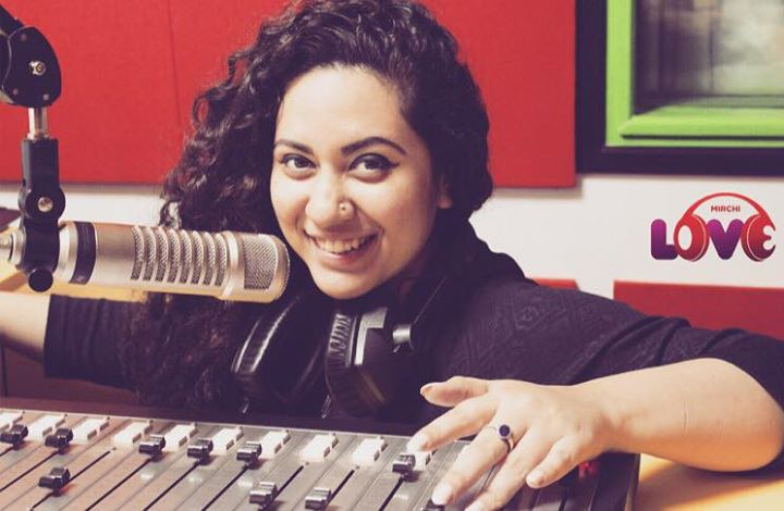 Ekta Sandhir,  Curls & Curves | Ahmedabad's First Morning Notification On Mirchi Love 104 | Food | Fashion | Life Conversation's with Hello Hello | Glow & Grow