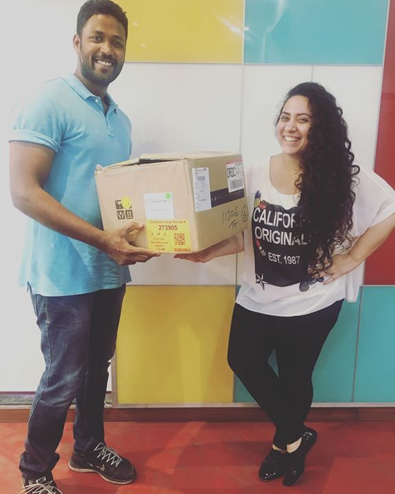 Mirchi Office ka Bhallaaldeva - Cijo helping me uthaaing the E Waste Box 📦  You also send a Whastapp with Name & Address on 9327-104104 and get your E - waste collected by AMC officials