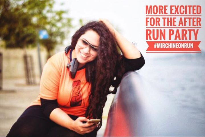 The Most Premium Fun Run of Ahmedabad #MirchiNeonRun  7th Jan 2018  Join the Mirchi Team and Open the year with the high energy and fun experience at @clubo7  Click on the link below to get Registered   https://in.bookmyshow.com/ahmedabad/events/mirchi-neon-run-ahmedabad-2017/ET00065342