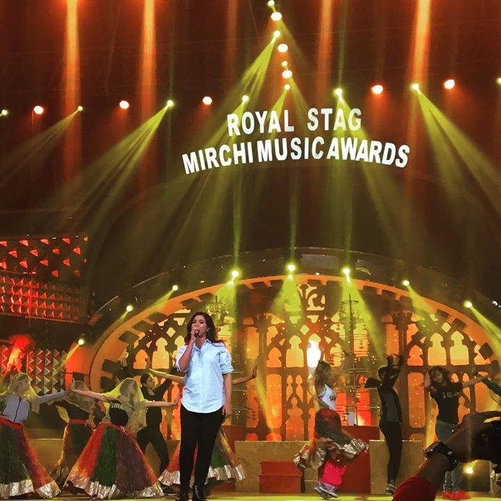 The Mesmerising @shreyaghoshal at grand Rehearsals for 10th Mirchi Music Awards