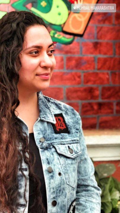 Ekta Sandhir,  hello