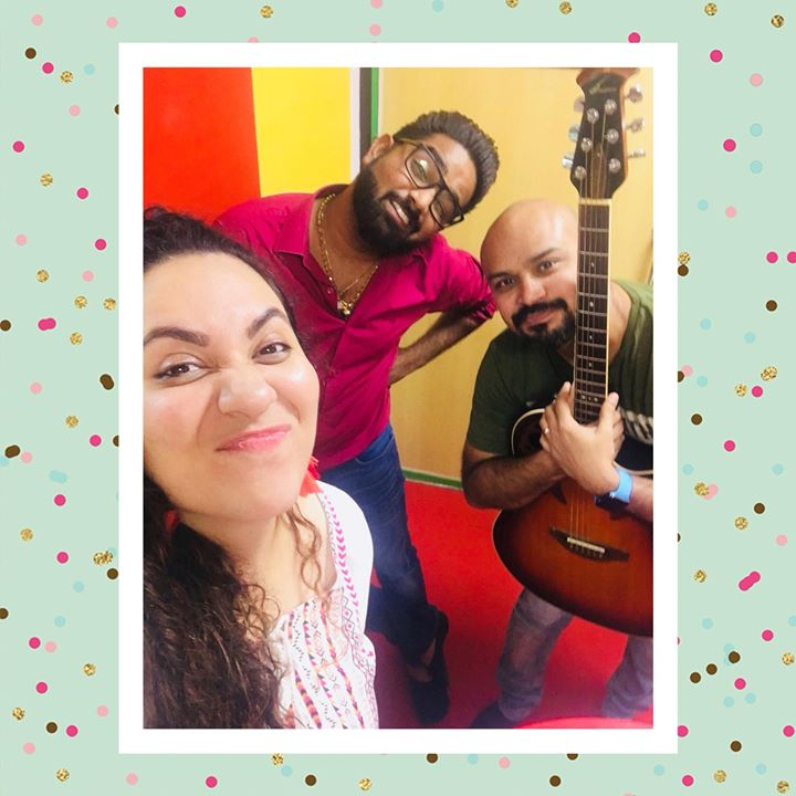 Ekta Sandhir,  music, friday, jam, jamming, love, insta, instadaily, instasize, instapic, instagram, instagood, instamoment, instamusic, musiclovers, musicvideo, musical, today, friday, tgif, friyay