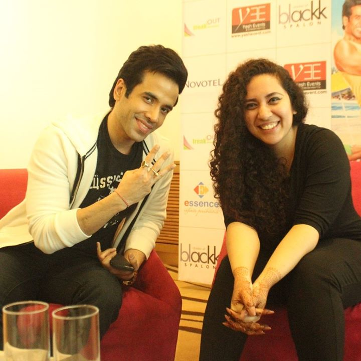 Had one Hot conversation with him, while he was promoting Kya Kool Hain Hum 3 in Ahmedabad this morning ...