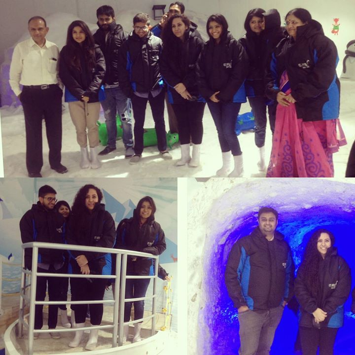 Direct 40 degree Ni garmi Thi -10 degree barf ma, Amdavad Maa Switzerland Wadi Feeling aavi .. Visited Iceberg Snow-world today at Dev Arc Mall. An absolutely chilling experience .. Worth a visit people ! Go click Snow Selfie ;)