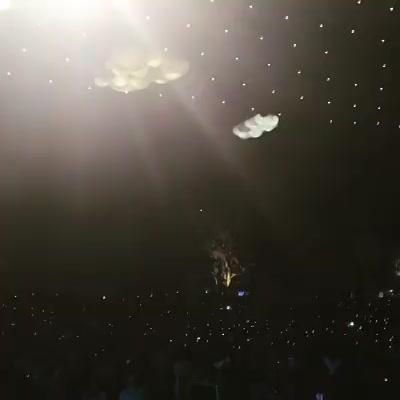 The most beautiful part of #mirchirockanddhol @rjdhvanit and 6000 people together 🙏🏼🙏🏼🙏🏼 Bolo Ambe Maat Ki Jai 😇😇😇