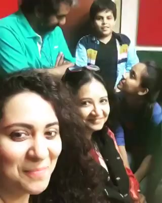 Aaje Show Par @aartivyaspatel - Mission Mummy with Ashish Kakkad and The star cast ! Tune in to Mirchi 98.3 and listen to Our conversation filled with Love and Fun !  #missionmummy #ourfilm #gujaratifilm