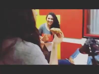 Food Wala Love !  When @shraddhakapoor LOVEed the Gujju Dabeli - That too half 🙈❤️ #halfgirlfriend