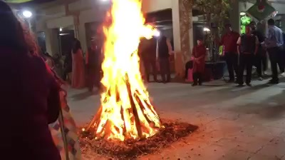 Hello Everyone!  Sharing a glimpse of last amazing night and celebrations from the family here with you all.  The beautiful festival of Lohri where families come together, farmers from the North of India celebrate harvesting...   I wish 2018 brings a lot of Happiness in your life and gives you all that you desire.  Happy Healthy 2018   Makar Sankranti Ki Shubhkaamnaayein 🎉🙏🏼😁