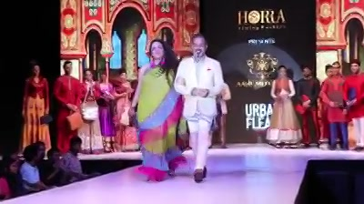 And that's how it was !  #aboutlastnight  Walking the Ramp for @horratimingfashion @asifmerchant @urban_flea   . . . . . Thank you @hitesh.sukhwani for capturing this moment.