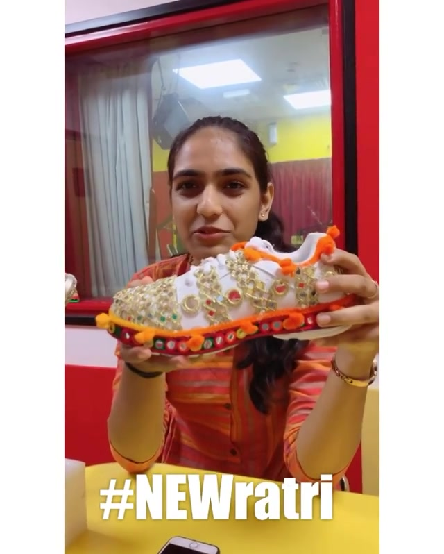 #NEWratri - New this Navratri.  @khwahish.j just customised these vibrant Navratri Sneakers for me and gave me another goals for Navratri Fashion !  How cool ! Tag the girl who you think will rock them with Chaniya Choli ! And win free passes of Garba at HL College this Weekend. Mirchi Love Dandiya 2019!