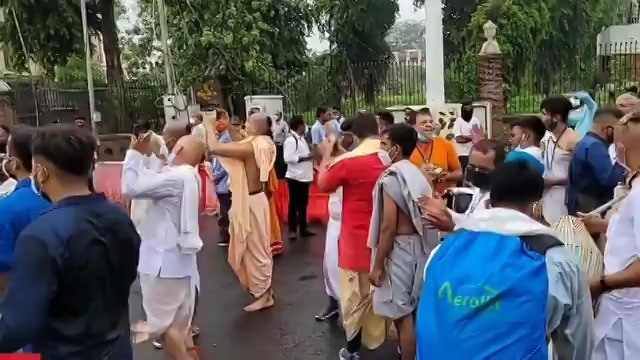 @vnnnewstv This is gorgeous and divine 🌻😊 #beautiful #blessed #RathYatra2021 https://t.co/mfnyZs5NYa